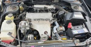 カルディナST191のエンジンルーム